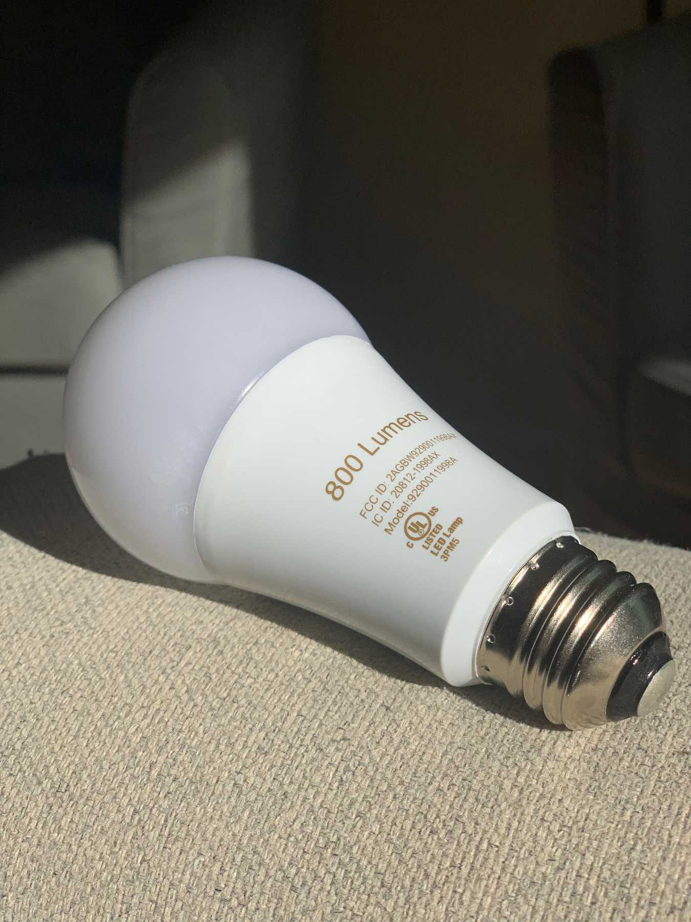 Philips Hue bulb with replaced diffuser